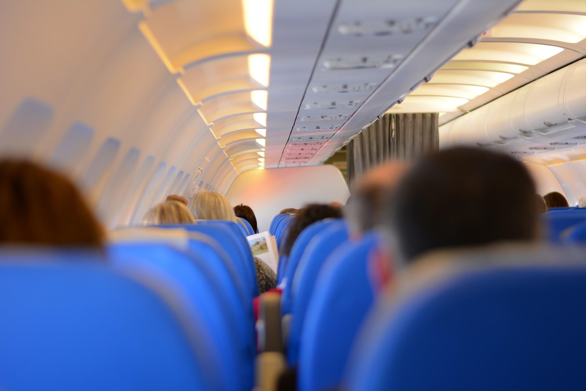 WebJet terá de pagar danos morais a cadeirante carregado no colo para dentro do avião