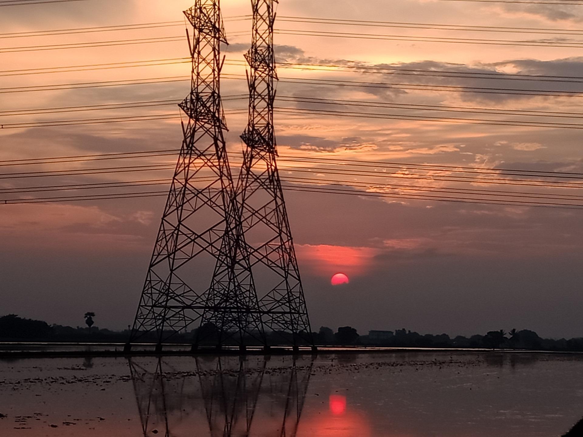 Concessionária de energia elétrica indenizará idoso por cobrança excessiva