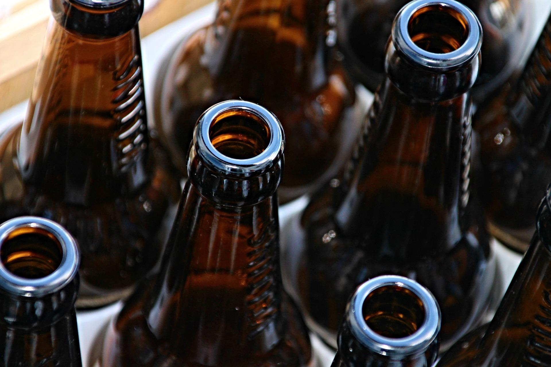 Consumidor que encontrou carteira de cigarros em garrafa de cerveja receberá R$ 10 mil de danos morais